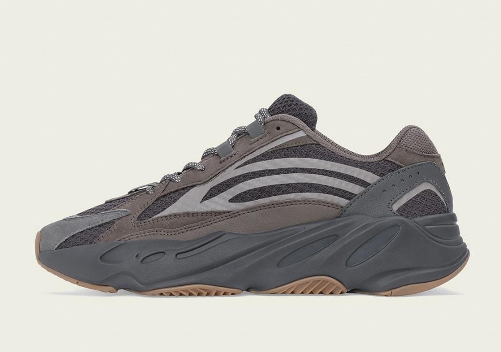 Adidas YEEZY Yeezy Boost 700 V2