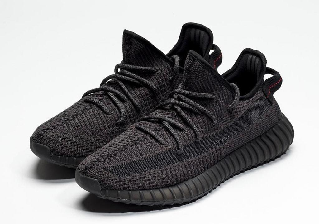 black yeezy 300