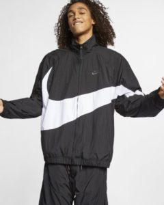 sportswear-swoosh-windbreaker-aus-webmaterial-L1LhdM
